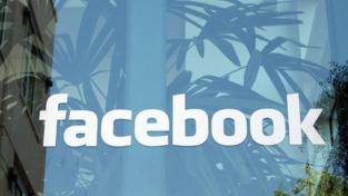 """Facebook, il """"continente"""" dei giovani"""