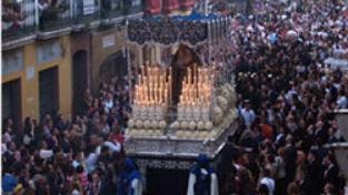 Spagna, dove la devozione è cultura