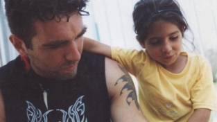 Vittorio Arrigoni: «Restiamo umani»
