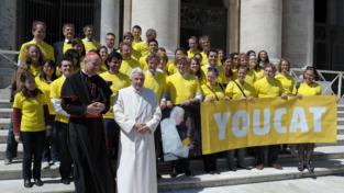 Benedetto XVI e la App di YouCat