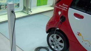 Torino alla guida dell'auto elettrica