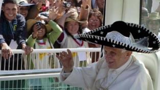 L'abbraccio finale del popolo messicano