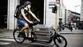 """Sono arrivati gli """"ecorrieri"""" in bici"""