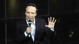 Benigni porta la Costituzione in tv