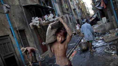 Bambino in Myanmar