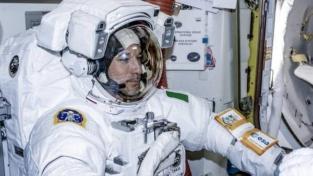 Il primo italiano che passeggia nello spazio