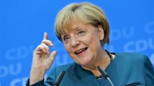 Auguri Merkel, cancelliera della Germania da 15 anni