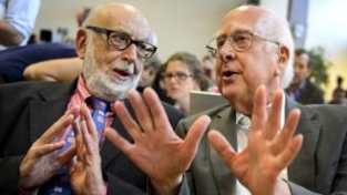 Premiati i fisici Higgs e Englert