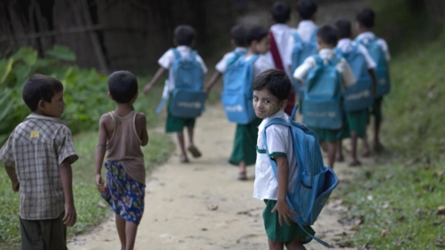 Bambini in Birmania