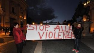 Bari è contro il femminicidio