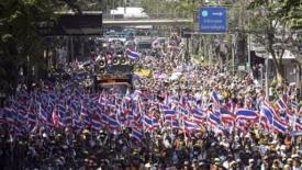 Bangkok bloccata dai dimostranti