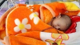 Acido deturpante, genitori fragili e neonati indifesi