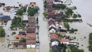 Inondati i Balcani, decine i morti