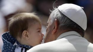 Il papa mette in guardia Roma: no a una vita disumana