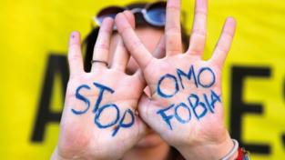 Omofobia: né discriminazione né propaganda