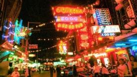 Bangkok. Tutte le contraddizioni delle zone a luci rosse