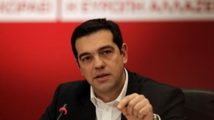 Una seconda ondata d'austerità ma arriva l'ok alla ristrutturazione del debito