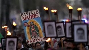 La marcia della dignità a Città del Messico