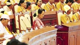 Parlamentari senza divisa