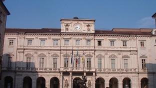 Torino, il principio di fraternità entra nello statuto cittadino