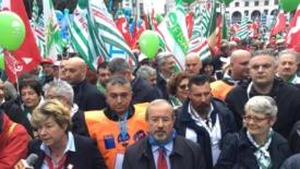 Genova, la città mobilitata per il lavoro