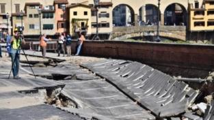 Firenze, crollo sul lungarno: danni per 5 milioni di euro