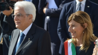 """Mattarella ringrazia Lampedusa. """"L'Italia è orgogliosa di voi"""""""