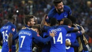 Francia straripante: un'indomita Islanda soccombe 5-2