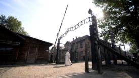 Il silenzio di Francesco ad Auschwitz