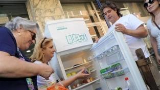 Il frigo solidale di Bari