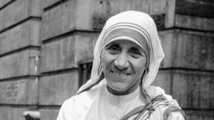 Lo sguardo amorevole e sereno di Madre Teresa