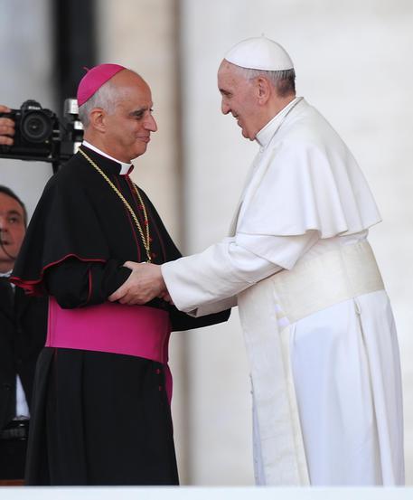 Mons. Fischella con il papa