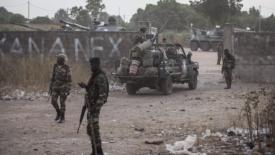 Intervento militare per l'insediamento del nuovo presidente