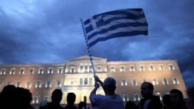 Grecia, anziani delusi e giovani in fuga