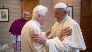 Per i 90 anni di Benedetto XVI