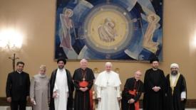 Un papa, due cardinali e quattro imam