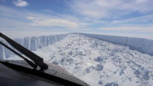 Un iceberg grande mille miliardi di tonnellate