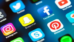 Francesco: l'unione sul web non si fonda sui like