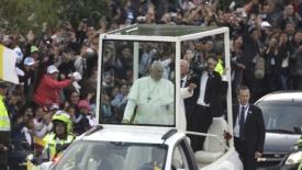"""La """"missione politica"""" del papa in Colombia"""
