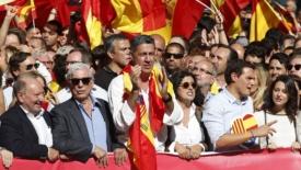 Catalogna, manifesta anche chi non vuole l'indipendenza