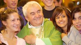Don Oreste Benzi, il prete dalla tonaca lisa