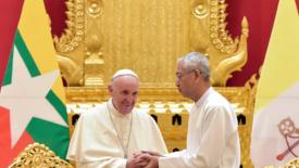 In Myanmar un uomo dai grandi gesti