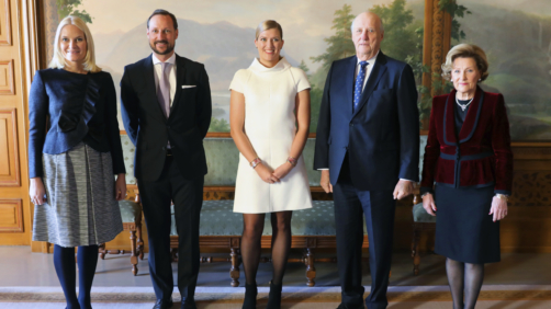 Beatrice Fihn the head of International Campaign to Abolish Nuclear Weapons (ICAN), centre, poses with, from left, Crown Princess Mette-Marit, Crown Prince Haakon, Beatrice Fihn, King Harald and Queen Sonja, during an audience at the Royal Palace, in Oslo, Norway, Sunday Dec. 10, 2017.  The winner of this year's Nobel Peace Prize, the ICAN will officially receive the honour during a ceremony in Oslo Sunday.  (Orn E. Borgen / NTB scanpix via AP)