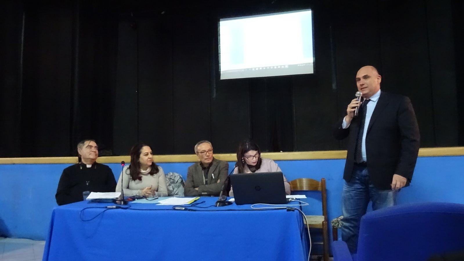 partecipanti-al-tavolo-per-le-poverta-di-ischia
