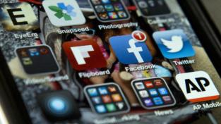 Attenzione alle foto dei minori sui social media