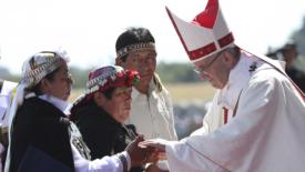 Francesco accoglie il dolore dei Mapuche