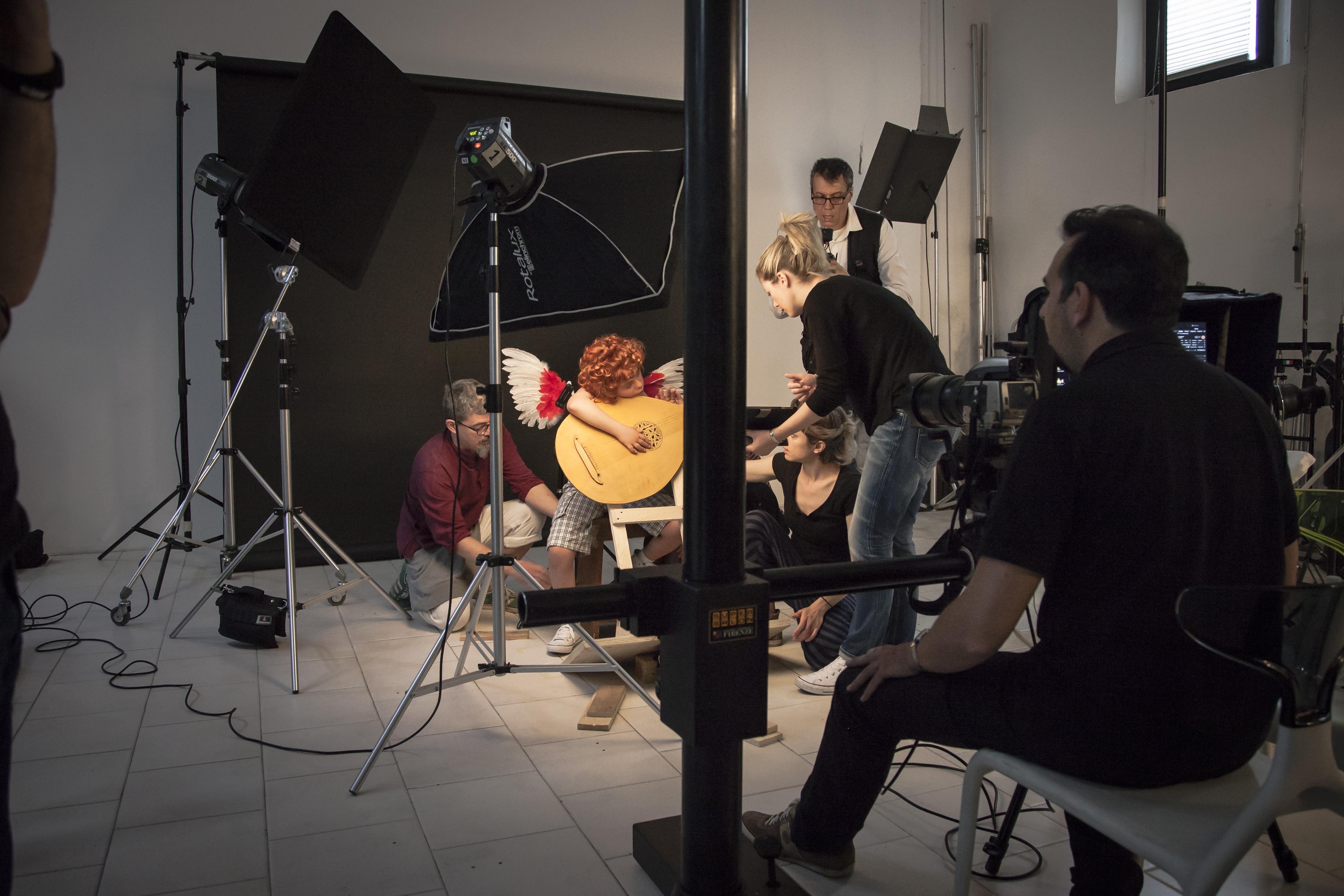 Foto del backstage, durante la realizzazione delle fotografie per la mostra Divine Creature. Foto © Meini Photo&Video