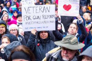 foto Ap manifestazione veterani Usa 24 marzo 2018