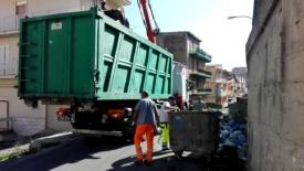 Emergenza rifiuti, si affrontano i primi nodi