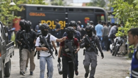 Violenze senza precedenti a Jakarta